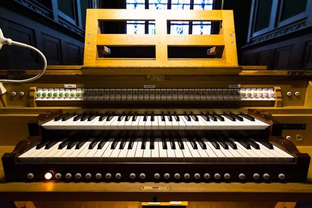 Speeltafel van het Adema-orgel, St.-Agathakerk, Lisse. Foto: © Alexander Schippers.